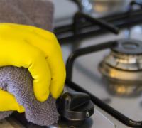 kitchen-cleaning-essentials-hobs